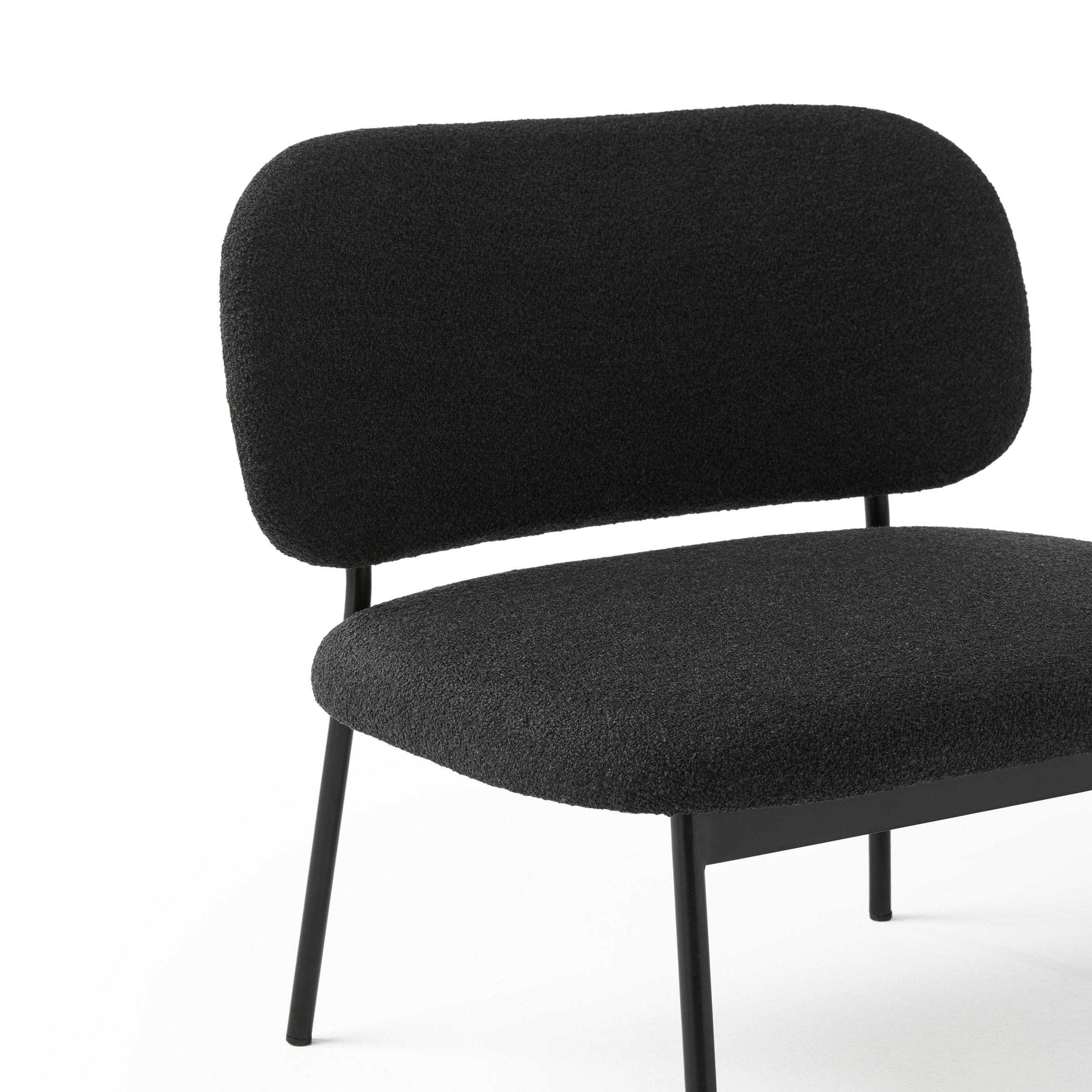 Lobby Chair Tapizado Negro RC Metal - Blasco&Vila - Muebles de diseño
