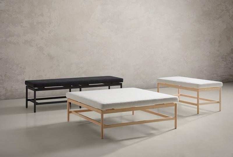Banquetas de la colección rem en madera natural y negra con diferentes tapizados - Muebles de diseño por Blasco&Villa