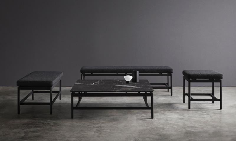 Imagen portada Colección REM - Se pueden ver los diferentes bancos y la mesa de mármol de la colección